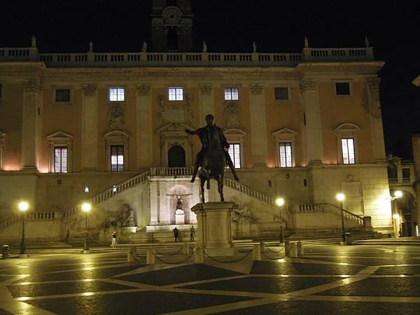 羅馬夜遊1 (4).JPG