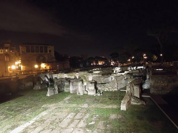 羅馬夜遊1 (17).JPG
