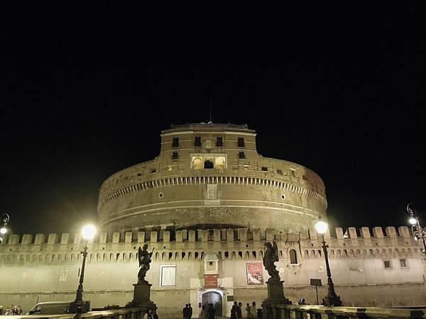 羅馬夜遊2 (24).JPG