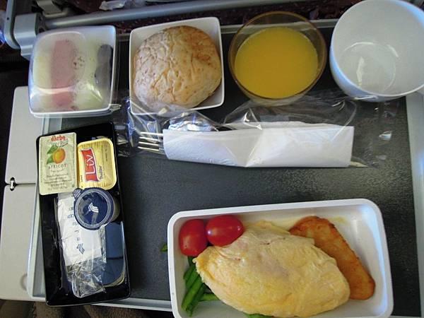 新加坡航空-新加坡往桃園機場之飛機餐.JPG