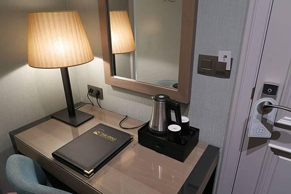 ARAGON飯店房間5.JPG
