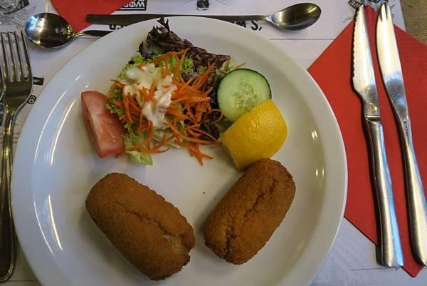 布魯塞爾晚餐2.JPG