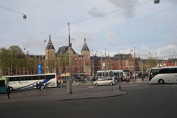 阿姆斯特丹車站02.JPG