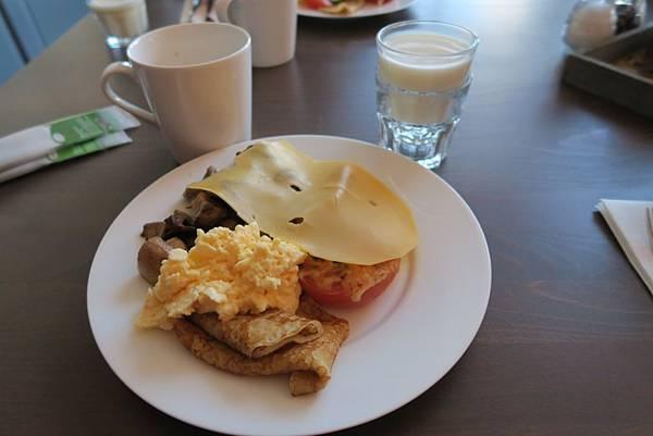 GRAND HOTEL AMRATH KURHAUS THE HAGUE飯店早餐2.JPG