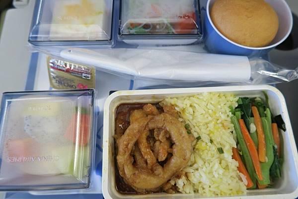 飛機飛往桃園機場飛機餐2.JPG