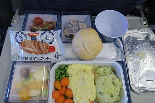 飛機飛往曼谷的飛機餐02.JPG