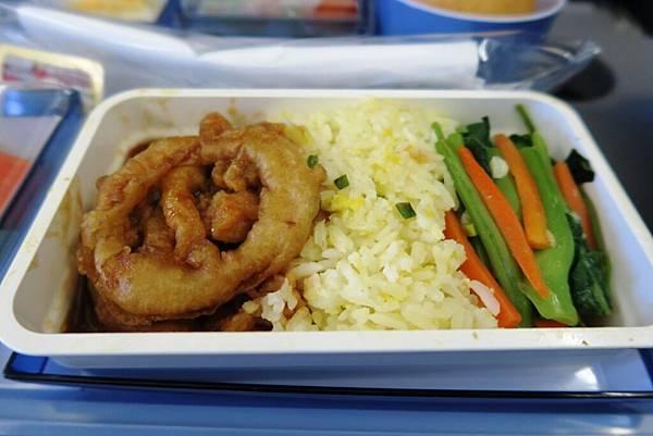 飛機飛往桃園機場飛機餐3.JPG