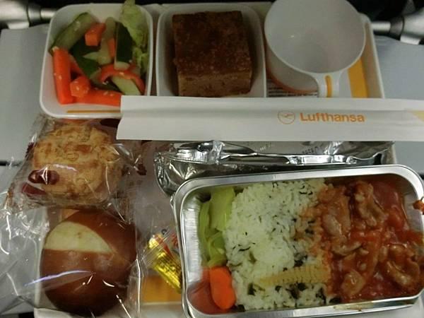 飛機餐點 (2).JPG