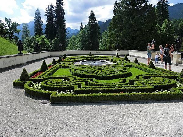 林德霍夫堡花園 (19).JPG