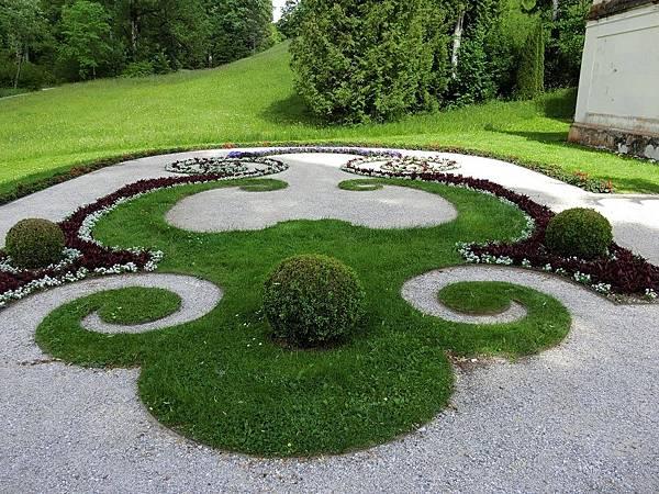 林德霍夫堡花園 (30).JPG