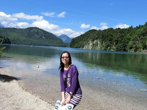 新天鵝堡山下湖邊 (12).JPG