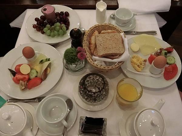 Kempinski Hotel Bristol Berlin飯店早餐 (8).JPG