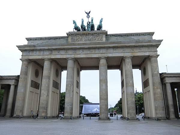 勃蘭登堡門 (2).JPG