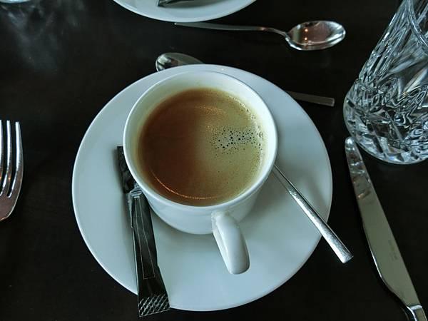 柏林塔上午餐 (4).JPG