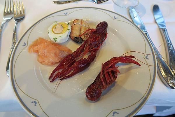 ULLENSVANG飯店自助式晚餐 (2).JPG