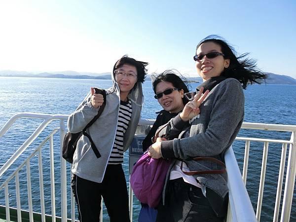 前往聖壇岩渡輪上-1 (6).JPG
