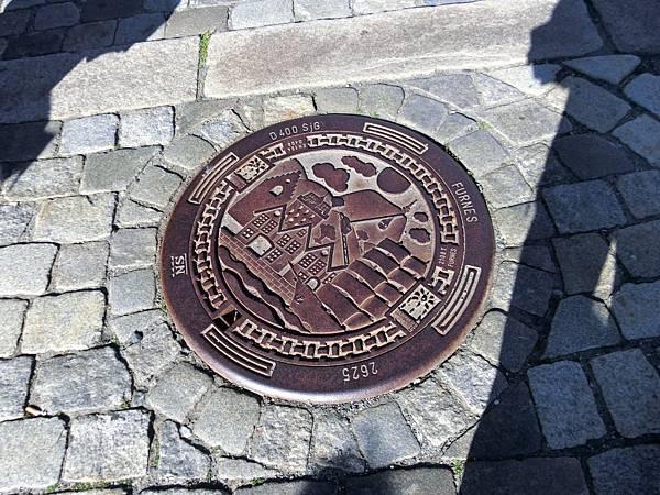 卑爾根下水道蓋子.JPG