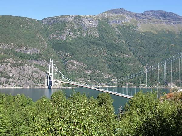哈丹格吊橋-1 (3).JPG