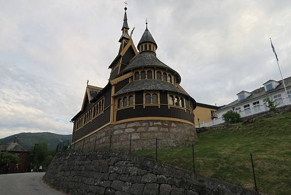 巴里斯川的特色教堂 (1).JPG