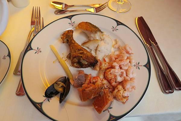 ALEXANDRA飯店自助式晚餐 (2).JPG