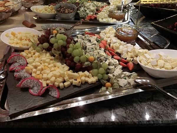 ALEXANDRA飯店自助式晚餐-1 (2).JPG