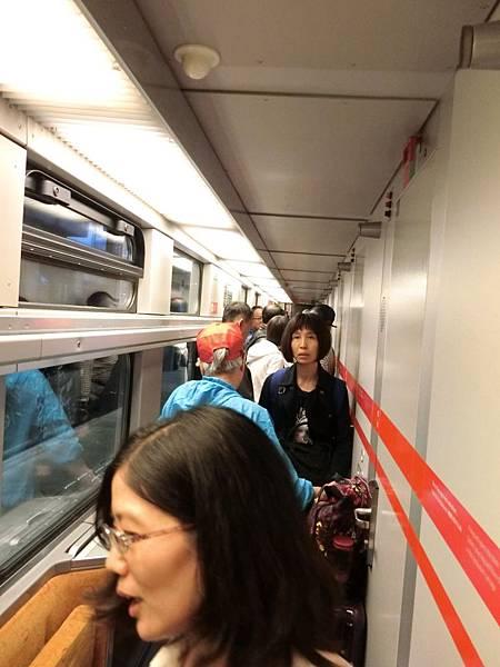 前往博多之火車上-1 (1).JPG