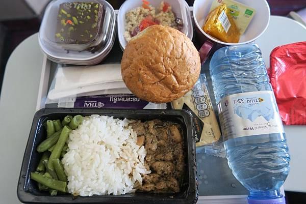 泰航-奧斯陸飛曼谷第一餐 (1).JPG