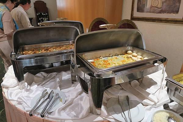 飯店晚餐 (2).JPG
