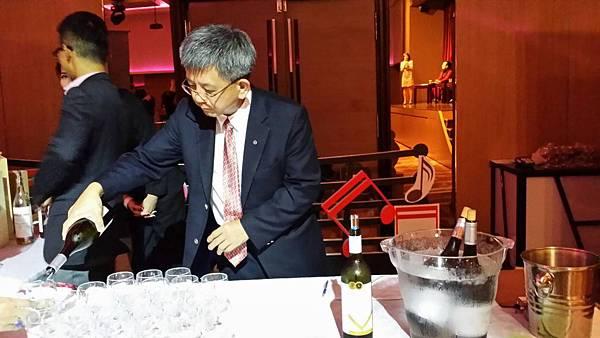 夏多內白酒_卡本內蘇維儂紅酒.jpg