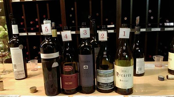 11-10 10P品酒會_171117_0064.jpg