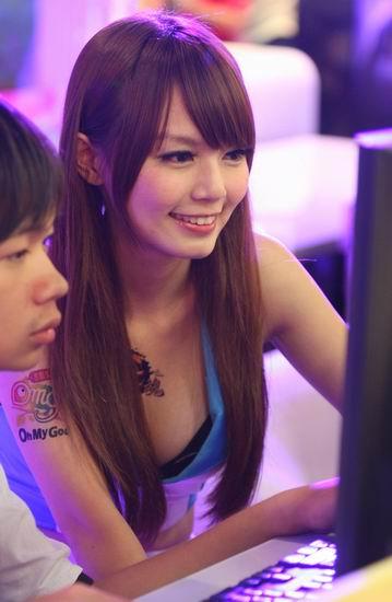 台北電腦應用展的妹001.jpg