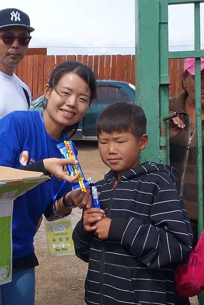 2015/08蒙古海外團物資捐贈