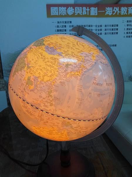 燈光地球儀1