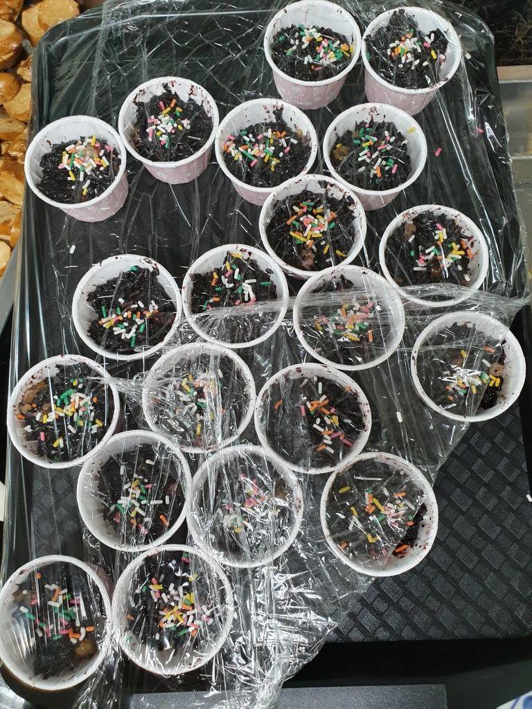 12.28普光素食自助餐捐贈八寶米糕.jpg