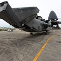 20130929-USAF C-5A unloads a USMC CH-53E.jpg