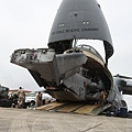 20130929-USAF C-5A unloads a USMC CH-53E (1).jpg