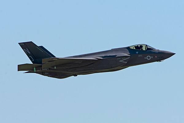 F-35C CF-10.jpg