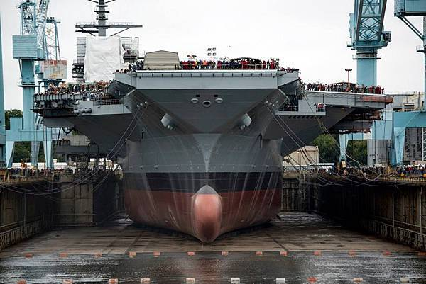 20131011-USS Gerald R. Ford(CVN-78) (2)