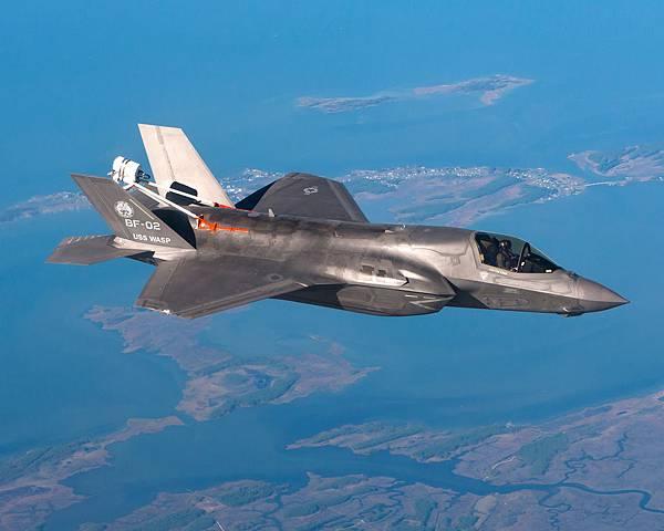201310-F-35B BF-02.jpg