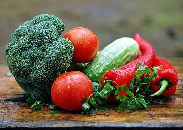 多吃富含維他命A的食物可以預防乾眼症的發生