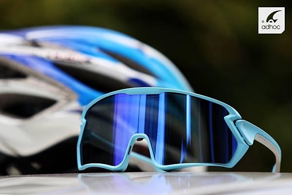 配戴包覆性佳運動眼鏡保護眼睛遠離乾眼症
