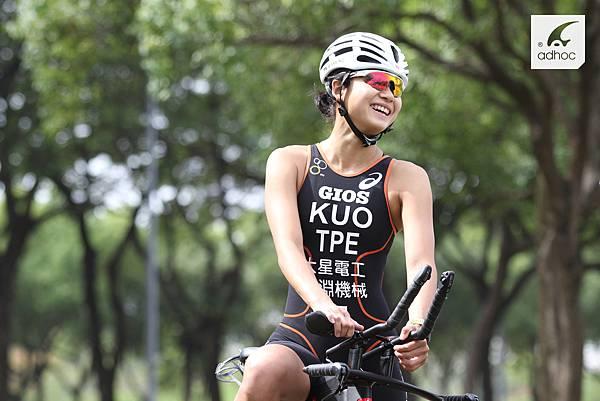 鐵人三項國家代表隊郭家齊配戴ADHOC RX近視運動眼鏡避免乾眼症