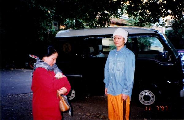 抱雪貂1997原宿.jpg
