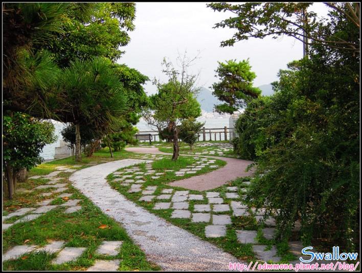 10_12_充滿綠意的小公園.jpg