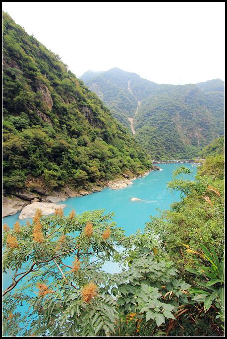 12_湛藍的河水