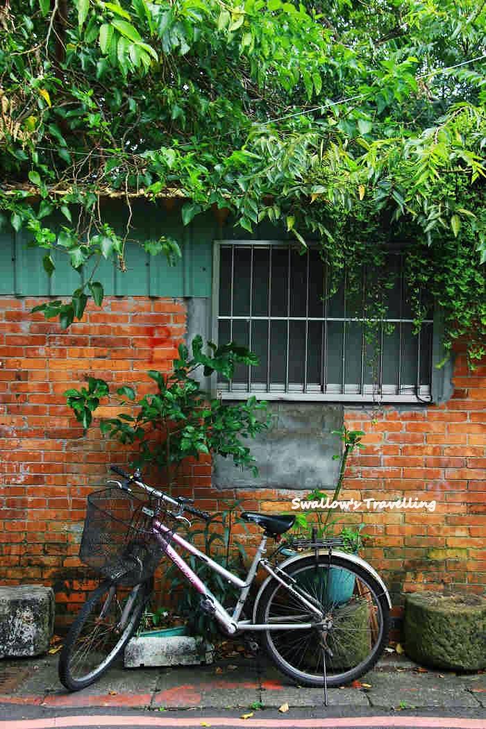 11_紅磚與腳踏車.jpg