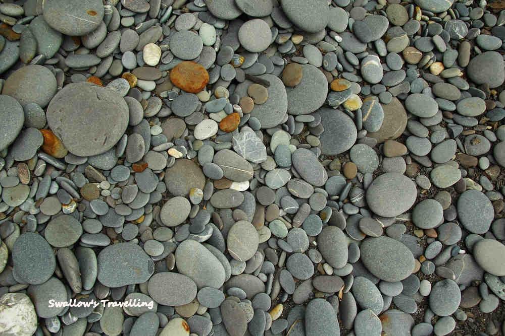 18_大大小小的石頭.jpg