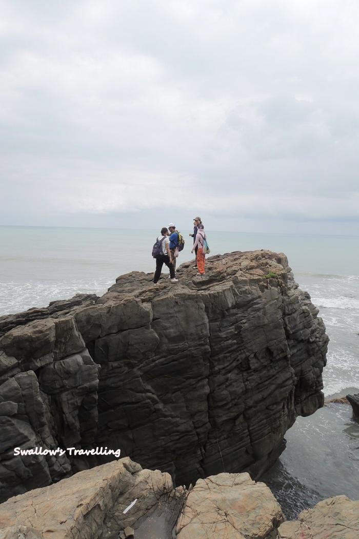 33_高起的岩石.jpg