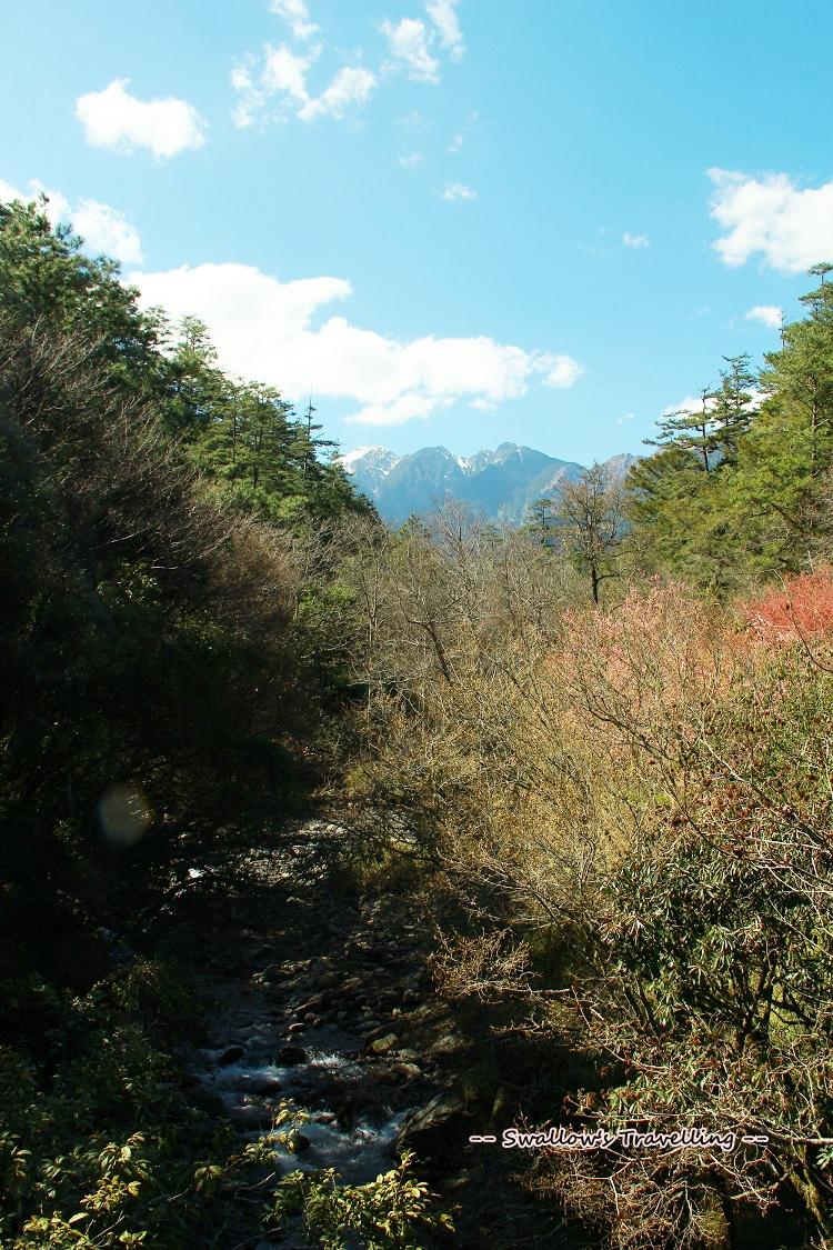 47_遠方的白色山頭.jpg