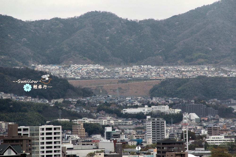 18_遠方山邊的房子.jpg